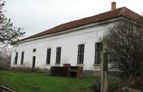 Kornis-Kazinczy kúria